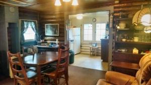 ebert.livingroom.2-640