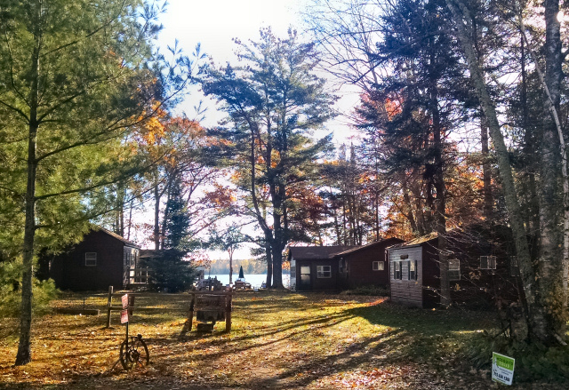 4 themed cabins for the large group or family